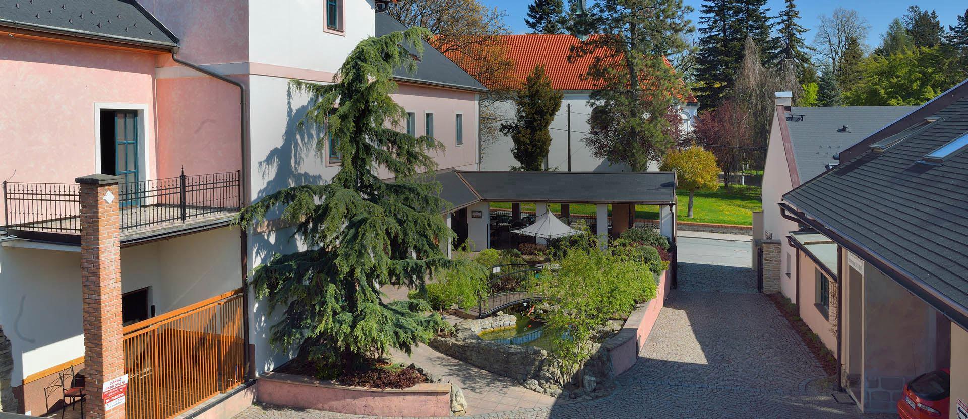 794f55c3f Hotel and restaurant Via Ironia Vysoké Mýto