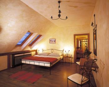 pokoj 305 Modena 1