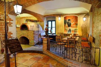 Interiér restaurace VIA IRONIA Vysoké Mýto 2
