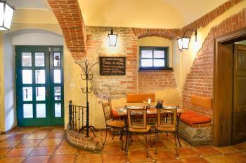 Interiér restaurace VIA IRONIA Vysoké Mýto 3