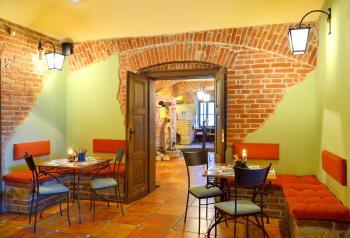 Interiér restaurace VIA IRONIA Vysoké Mýto 7