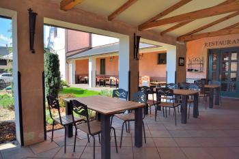 Venkovní terasa - restaurace VIA IRONIA 2