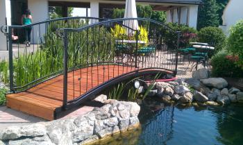 Venkovní terasa - restaurace VIA IRONIA 8